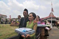 Cérémonie de mariage de masse en Indonésie Photo libre de droits