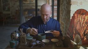 Cérémonie de thé de chinois traditionnel clips vidéos