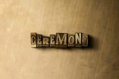 CÉRÉMONIE - plan rapproché de mot composé par vintage sale sur le contexte en métal Photos libres de droits