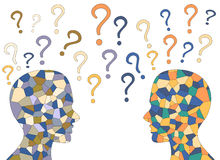 Cérebro humano do mosaico e pontos de interrogação coloridos, Fotos de Stock
