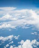 Céu acima da nuvem do plano de ar foto de stock royalty free