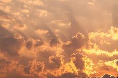 Céu alaranjado bonito do por do sol Imagem de Stock Royalty Free