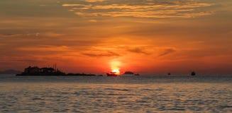 Céu alaranjado Vietname do nascer do sol Fotos de Stock Royalty Free