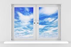 Céu azul com as nuvens vistas através da janela Fotos de Stock