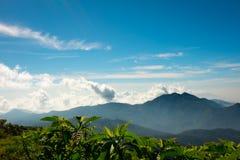 Céu azul com montanhas Imagem de Stock Royalty Free