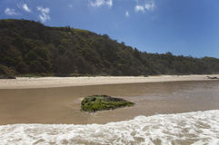 Céu azul da montanha da praia Fotografia de Stock Royalty Free