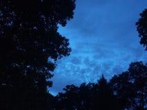 Céu azul da noite em Massachusetts imagens de stock