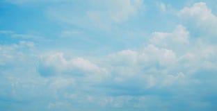 Céu azul das nuvens Imagem de Stock