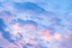 Céu azul e dourado fotografia de stock royalty free