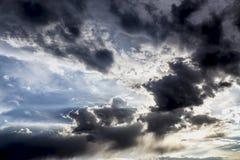 Céu azul e nebuloso Imagem de Stock Royalty Free