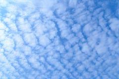 Céu azul e nuvem Imagens de Stock Royalty Free
