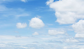 Céu azul e nuvem Foto de Stock
