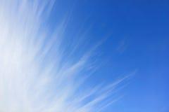Céu azul e nuvens Imagens de Stock