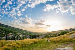 Céu azul e paisagem arquivada foto de stock