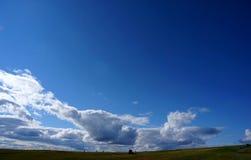 Céu azul infinito e algumas nuvens/cume de siusi/Val Gardena/para o sul Tirol Imagem de Stock Royalty Free