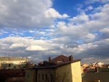 Céu azul na cidade do russo Foto de Stock Royalty Free