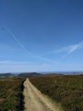 Céu azul nos vales Fotografia de Stock Royalty Free