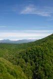 Céu azul sobre as rochas Fotografia de Stock