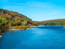 Céu azul sobre o Delaware imagem de stock royalty free