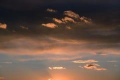 Céu bonito do por do sol fotografia de stock