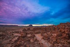 Céu bonito do por do sol sobre o vale do diabrete Fotos de Stock Royalty Free