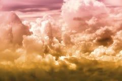 Céu branco da nuvem na atitude de nível elevado, vista da janela airplan Fotografia de Stock