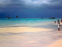 céu cinzento sobre a praia, ilha de Boracay, Filipinas, Ásia imagem de stock royalty free