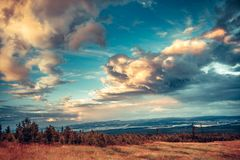 Céu colorido brilhante fantástico Tatras slovakia fotografia de stock