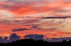 Céu colorido no por do sol imagem de stock royalty free