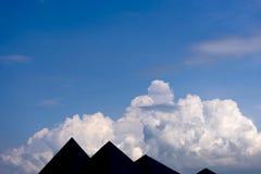 Céu com as nuvens de cúmulo wispy Foto de Stock Royalty Free
