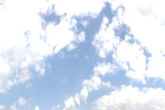 Céu com as nuvens no movimento Rendição 3D agradável Imagens de Stock