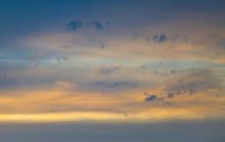 Céu com as nuvens no por do sol Imagem de Stock Royalty Free