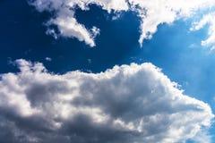 Céu com nuvens. imagem de stock