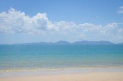 Céu da areia do mar Foto de Stock Royalty Free