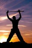Céu da espada do samurai do homem Fotos de Stock Royalty Free