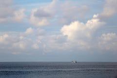 Céu da manhã no senador praia Phuket do Ao Imagens de Stock Royalty Free