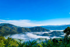 Céu da montanha nebuloso Fotografia de Stock