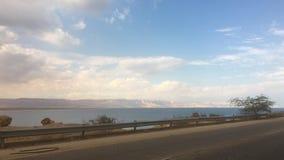 Céu da nuvem do mar da viagem por estrada Imagem de Stock