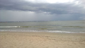 Céu da tempestade na praia Fotografia de Stock