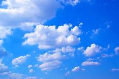 Céu das nuvens e fundo azul 171019 0190 Fotografia de Stock Royalty Free