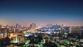 Céu de Nigth sobre a cidade Fotos de Stock