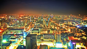 Céu de Nigth sobre a cidade Fotos de Stock Royalty Free