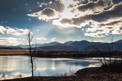 Céu de Rocky Mountain da tarde fotos de stock royalty free