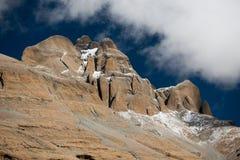Céu de Tibet da montanha dos Himalayas e kora de Kailas das nuvens Fotografia de Stock Royalty Free