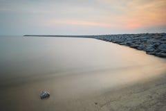 Céu do crepúsculo no seascape da costa oeste de Malásia Imagem de Stock Royalty Free