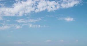 céu do dia da fotografia do Tempo-lapso 4k com laço macio do vídeo das nuvens filme