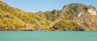 Céu do monte do mar de Langkawi imagens de stock