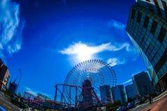 Céu do mundo de Yokohama Cosmo e do tempo fino imagem de stock
