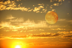 Céu do por do sol da noite Fotos de Stock Royalty Free