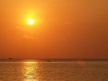Céu do por do sol do beira-mar da ilha Imagens de Stock